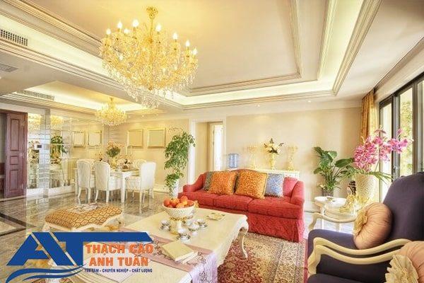 Mẫu trần thạch cao nối liền phòng khách với nhà bếp